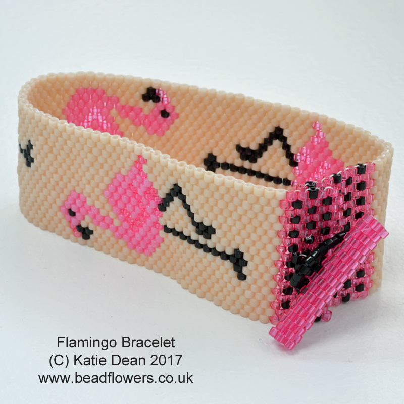 Flamingo bracelet pattern, Katie Dean, Beadflowers. How to learn Peyote stitch: odd count Peyote, My World of Beads