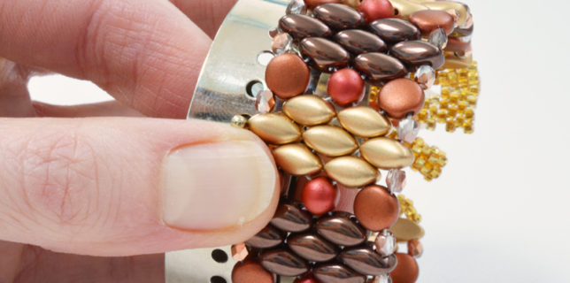 How to size a bracelet, bracelet gauge, bracelet sizer, Katie Dean, My World of Beads